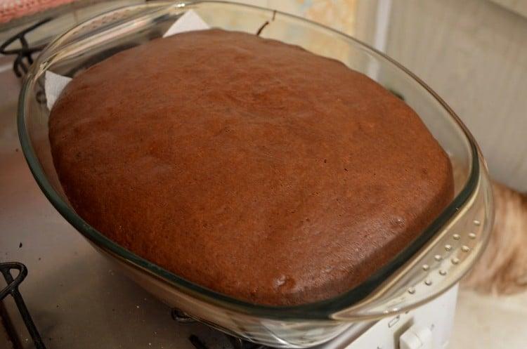 pode assar bolo em travessa de vidro
