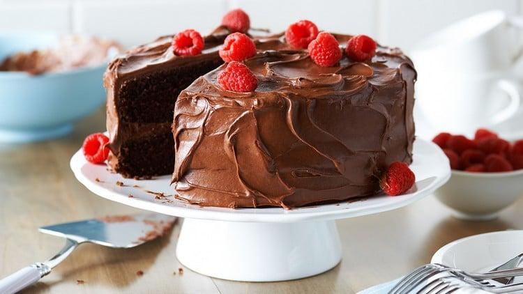 como assar bolo em forma alta
