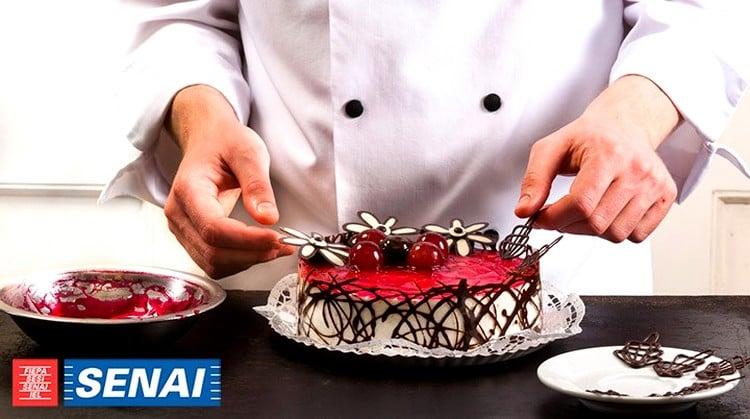 curso de bolo no Senai