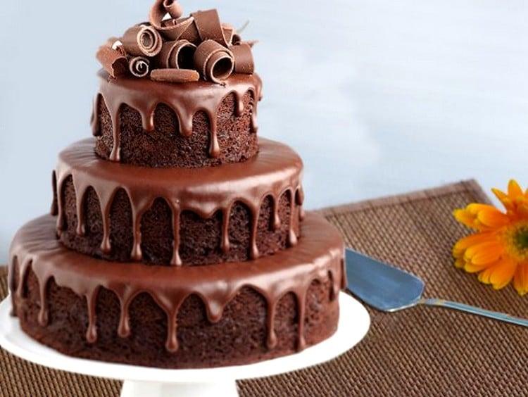 com quanto tempo de antecedência posso fazer um bolo