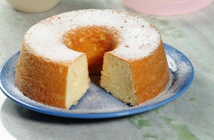 bolo branco simples de liquidificador