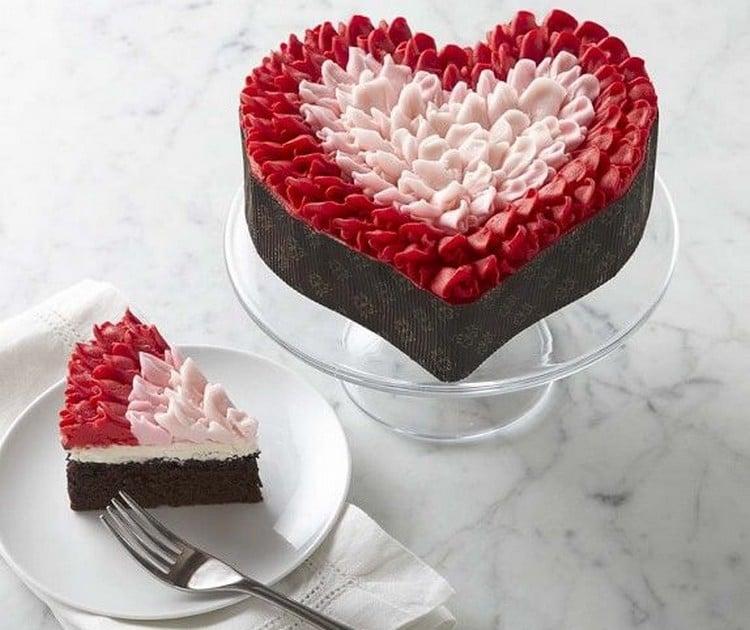 bolo de noivado coração