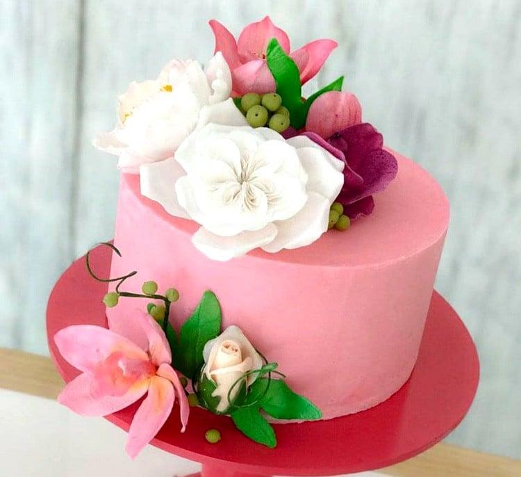 blindagem de bolo com ganache colorido