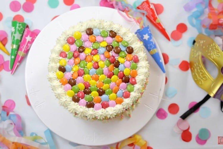 bolo de carnaval simples