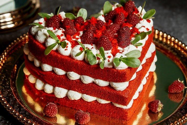 bolo romântico simples