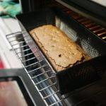 tirar o bolo do forno quente ou frio