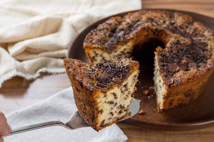 quanto tempo um bolo pode ficar fora da geladeira